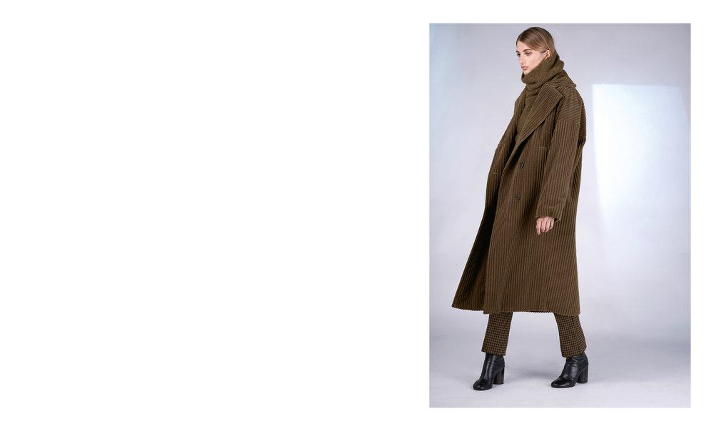 coat FONDO 27105-70 | jumper SHI 27512-70 | pants CLAIM 27103-43