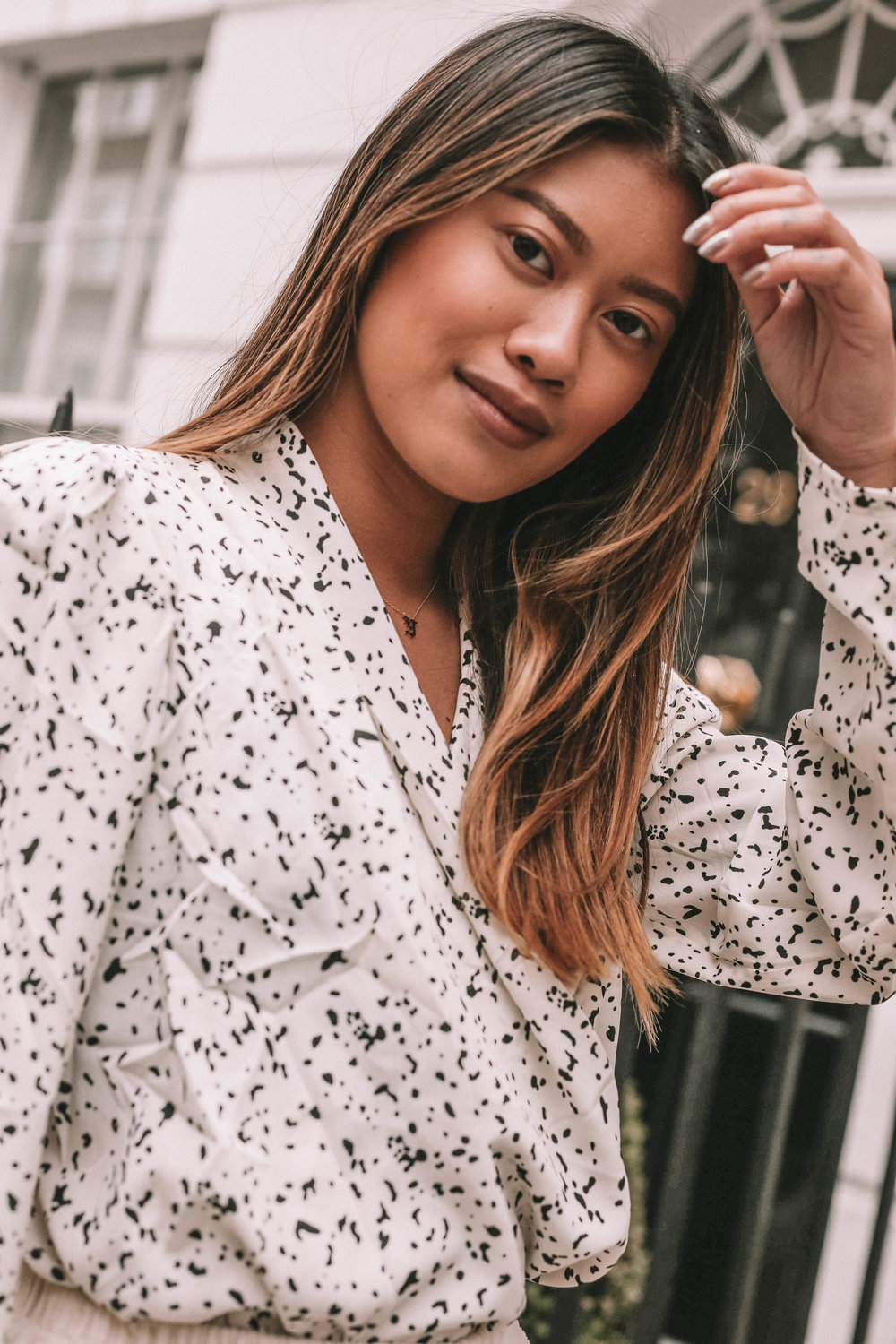 This blouse is from a new brand I discovered through a friend of mine. Its new, its fresh and fun! Fleur & Sonnet are worth definitely checking out. -