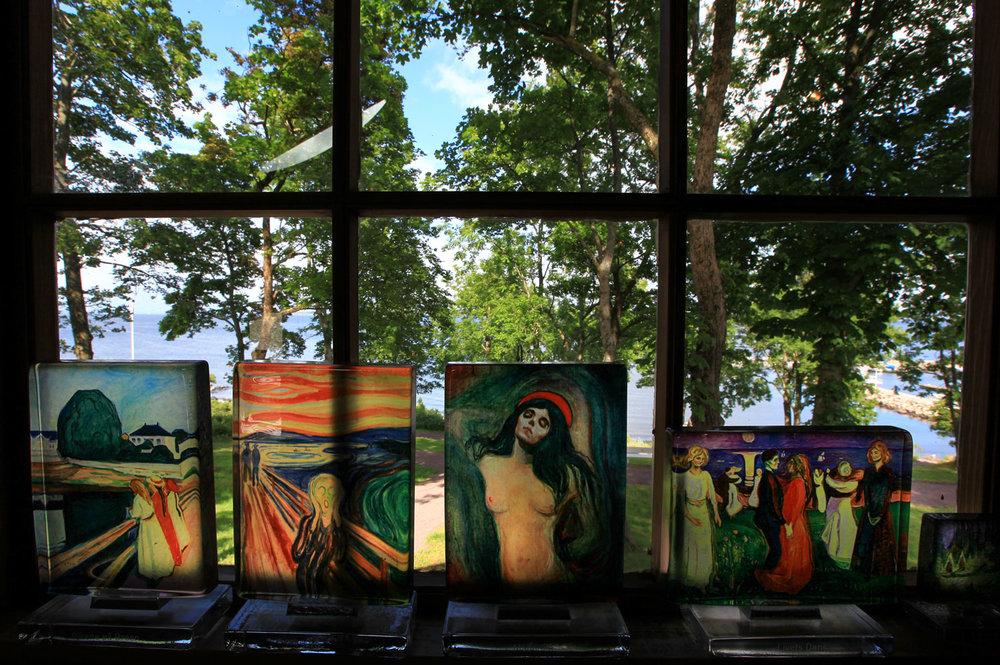Kunstverk du kan få kjøpt i atelieret som ligger ved siden av Munchs Hus.