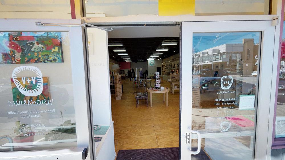 Xrxi1FpttpX - Entrance.jpg