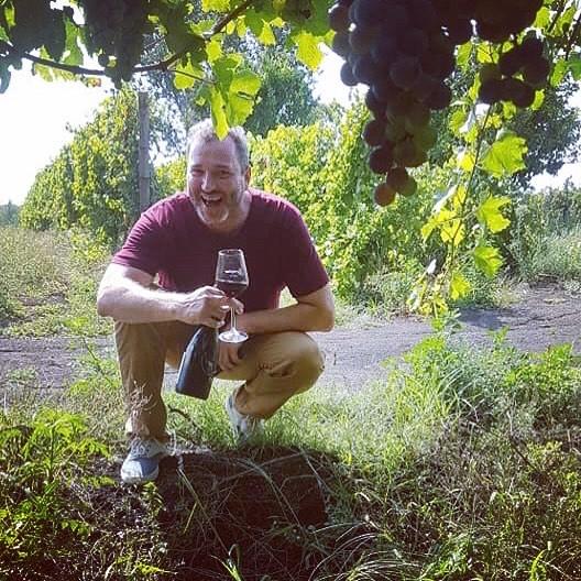 My type of yard work! #sorrentinovesuvio #napoli #naples #vino #siitalia #italia #italy #vigneto