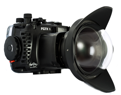 When using cameras with zoom lenses in an underwater housing you may have to zoom in somewhat to remove vignetting when shooting with a wide angle wet lens. This is the case with the G7X MkII in Fantasea housing and is the main reason we recommend the  G9X MkII  instead.