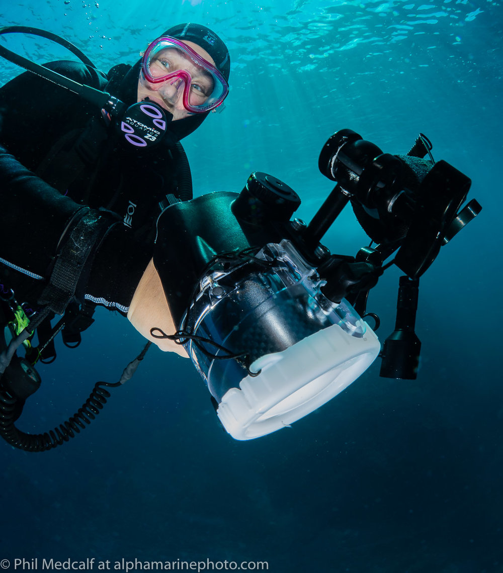 The Sea and Sea YS-D2 strobe Anne is using in this picture has a guide number of 32 but the diffuser fitted to it to increase its spread to 120° from 80° reduces the output to a guide number of 20.
