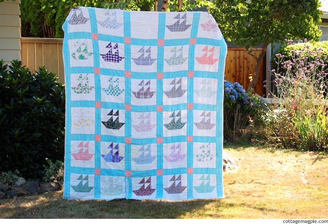 Grandma's Vintage Sailboat Quilt via cottagemagpie.com
