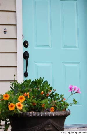 Painted Front Door (Before & After) via cottagemagpie.com