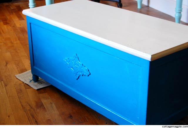 Rustic Workshop Trunk Makeover (Before & After) via cottagemagpie.com