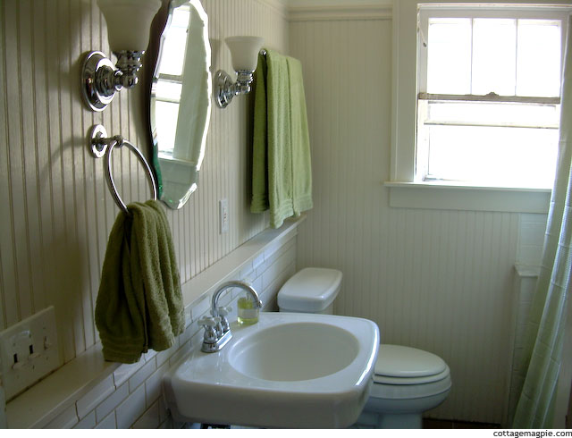 Bathroom from Valentine Cottage
