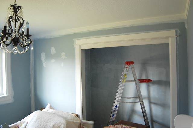 Moulding Trim in Baby Girl's Room