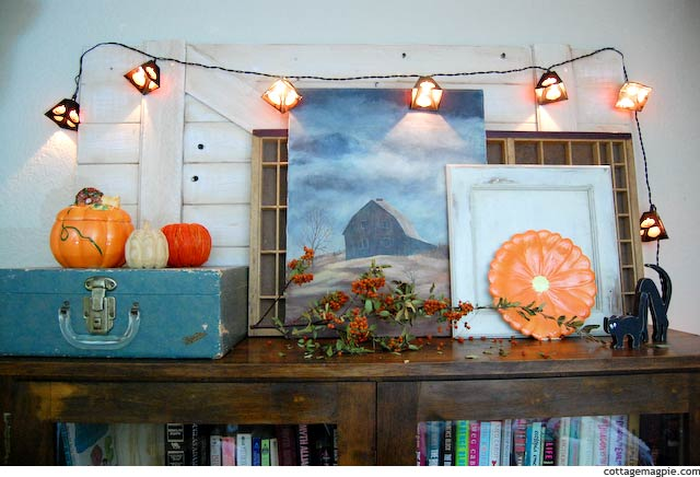 how-to-fall-halloween-mantel.jpg