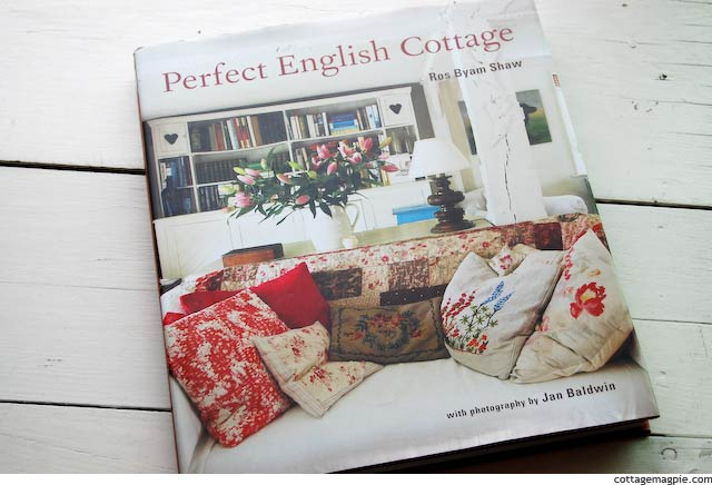 book-perfect-english-cottage.jpg