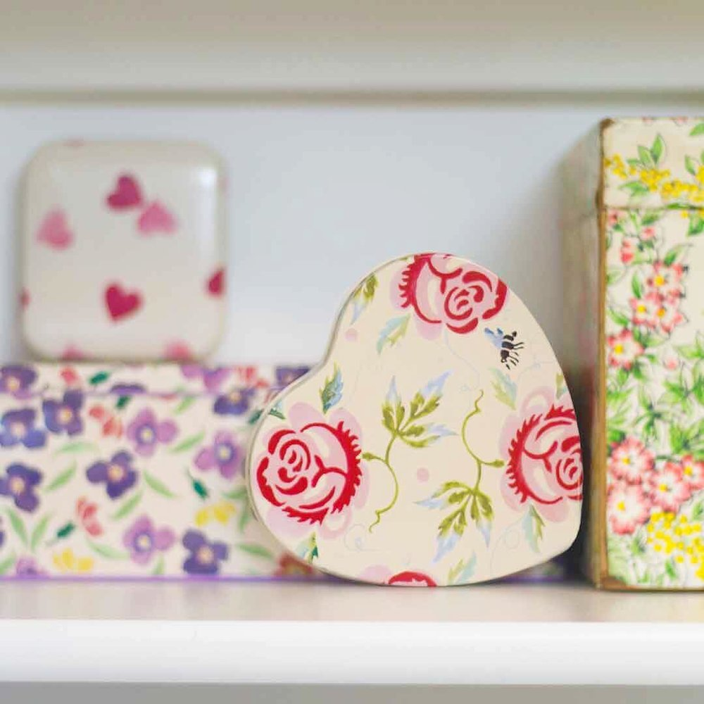 Little British Floral Tins - via www.cottagemagpie.com