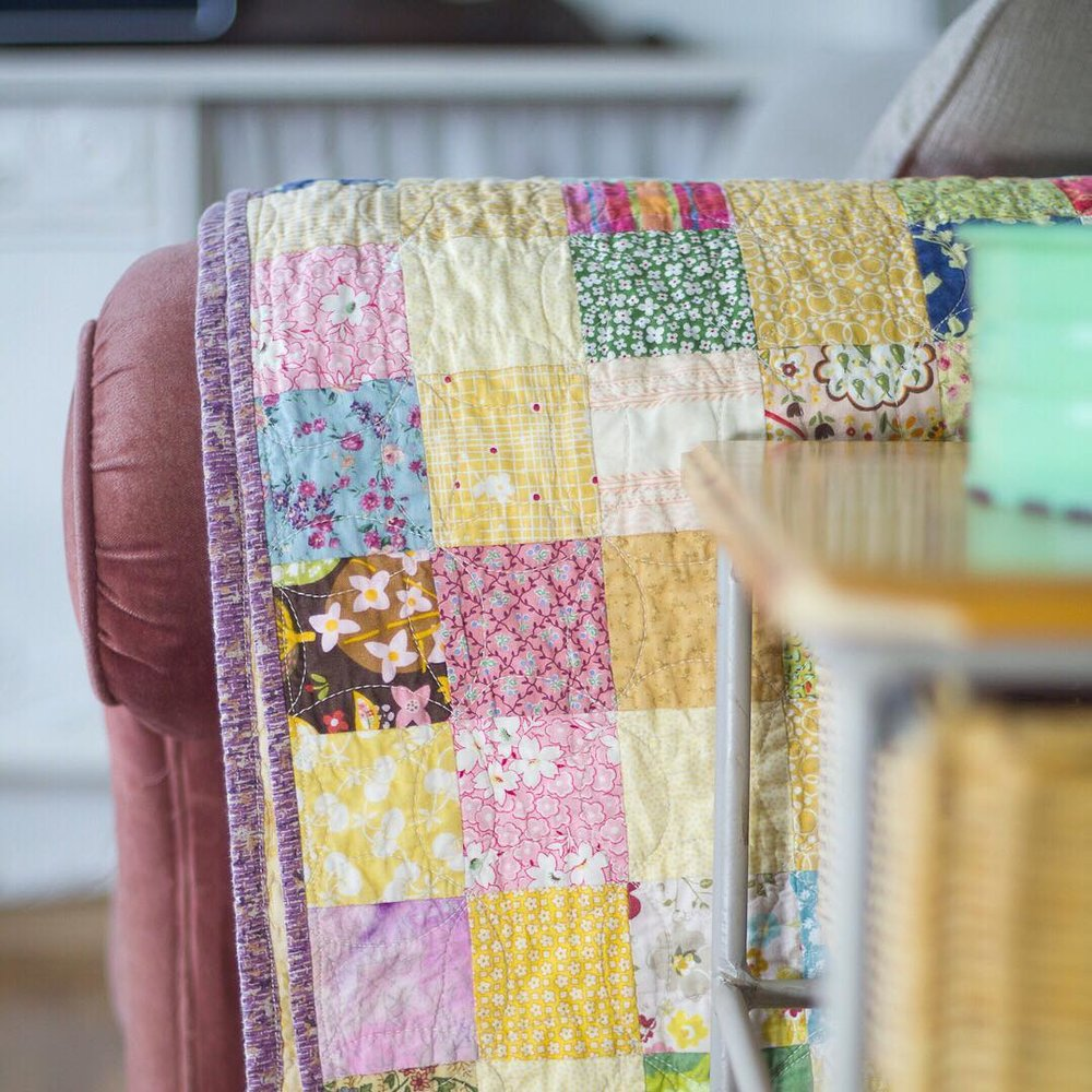 Yellow and Pink Little Squares Quilt - via www.cottagemagpie.com