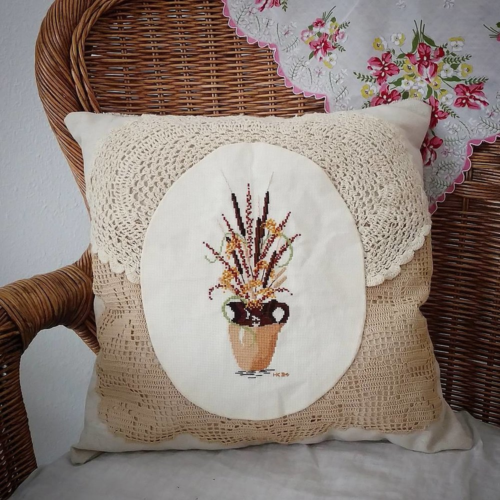 Pillow Society, Week 3 - @esthersunday1 - via www.cottagemagpie.com