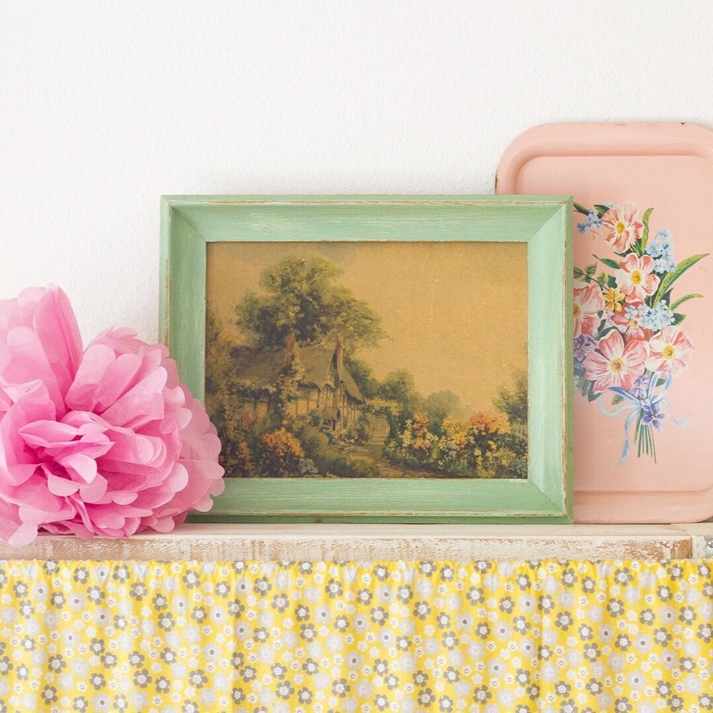 A Vintage Painting with Pink Tole Tray - via www.cottagemagpie.com