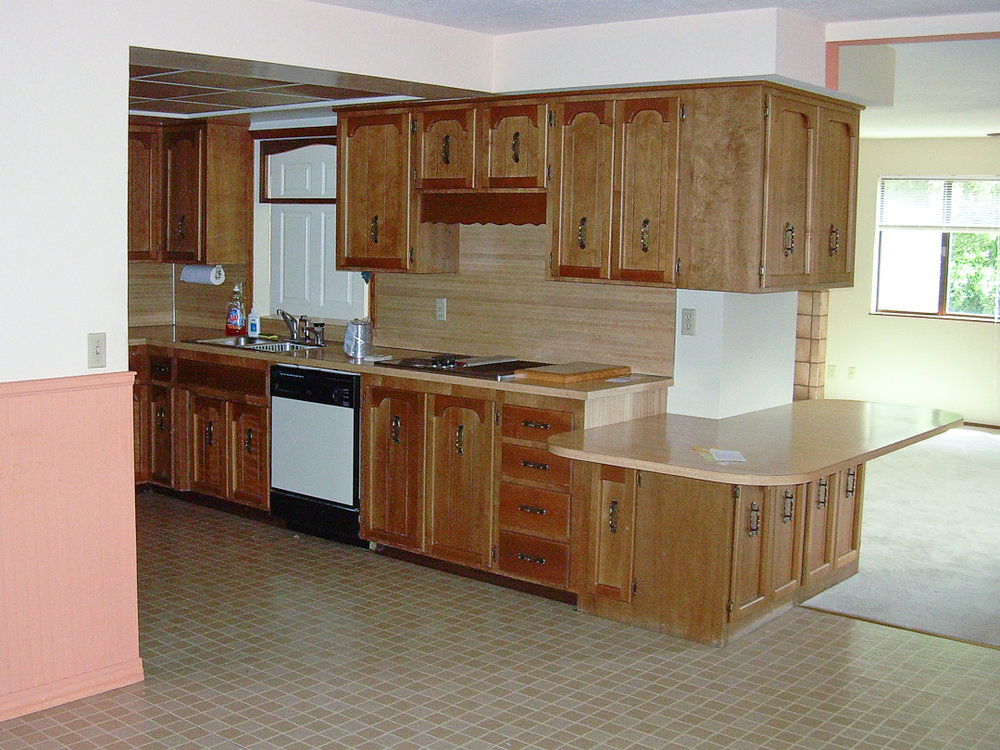 Pear Tree Cottage - Kitchen Before - via www. cottagemagpie.com