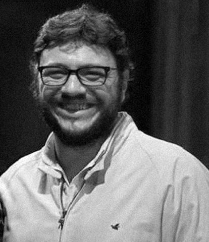 Diretor e Roteirista - Estudou cinema na PUC/RS e roteiro na EICTV - Cuba. Teve projetos premiados pela Rio Filme, Prêmio Estimulo, TV Cultura e SP Cine. É diretor e roteirista do documentário