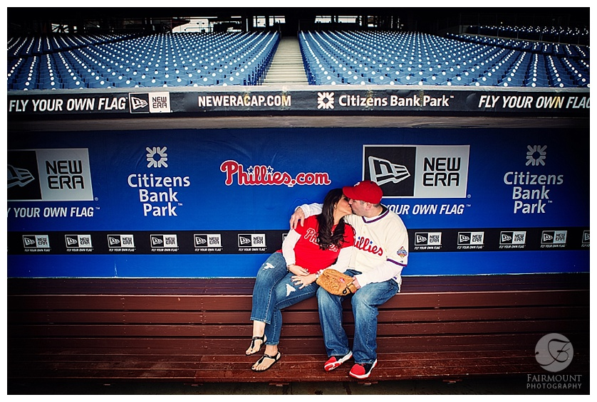 05ruiz_engagement_phillies