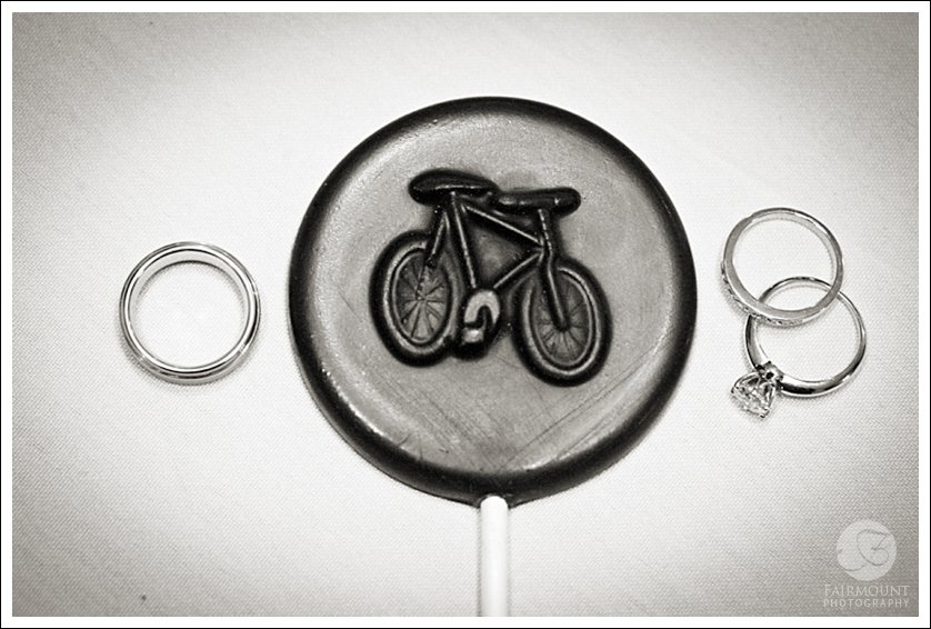 wedding rings with bicycle chocolate lollipop favor