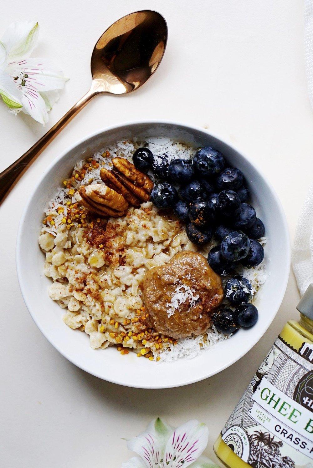 Adaptogenic Oatmeal Bowl