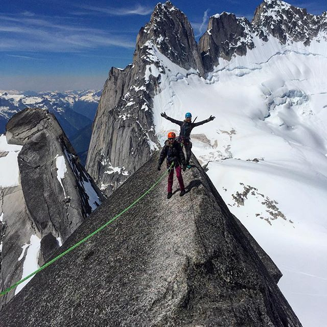 The classic shot off Pigeon Spire with the Howsers in the background. This was a great trip with hardly anyone else in the Bugaboos. We were totally alone for two of the days 😮 Guiding with Pierre is always a blast. #bugaboos #climbing #alpineclimbing #canada #bcparks #kainhut #highlife @freon9000