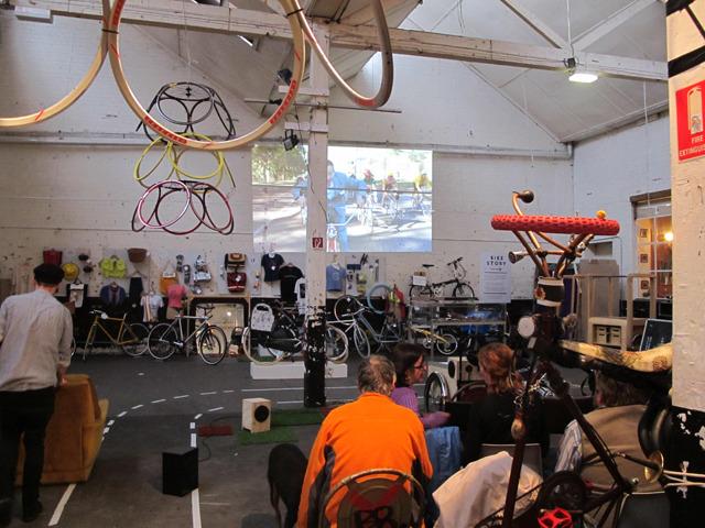 projector bike 06.jpg