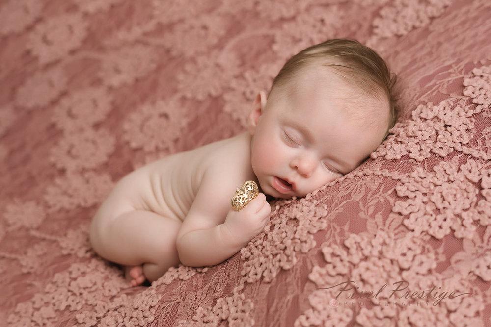 Lilah Newborn Session (16).jpg