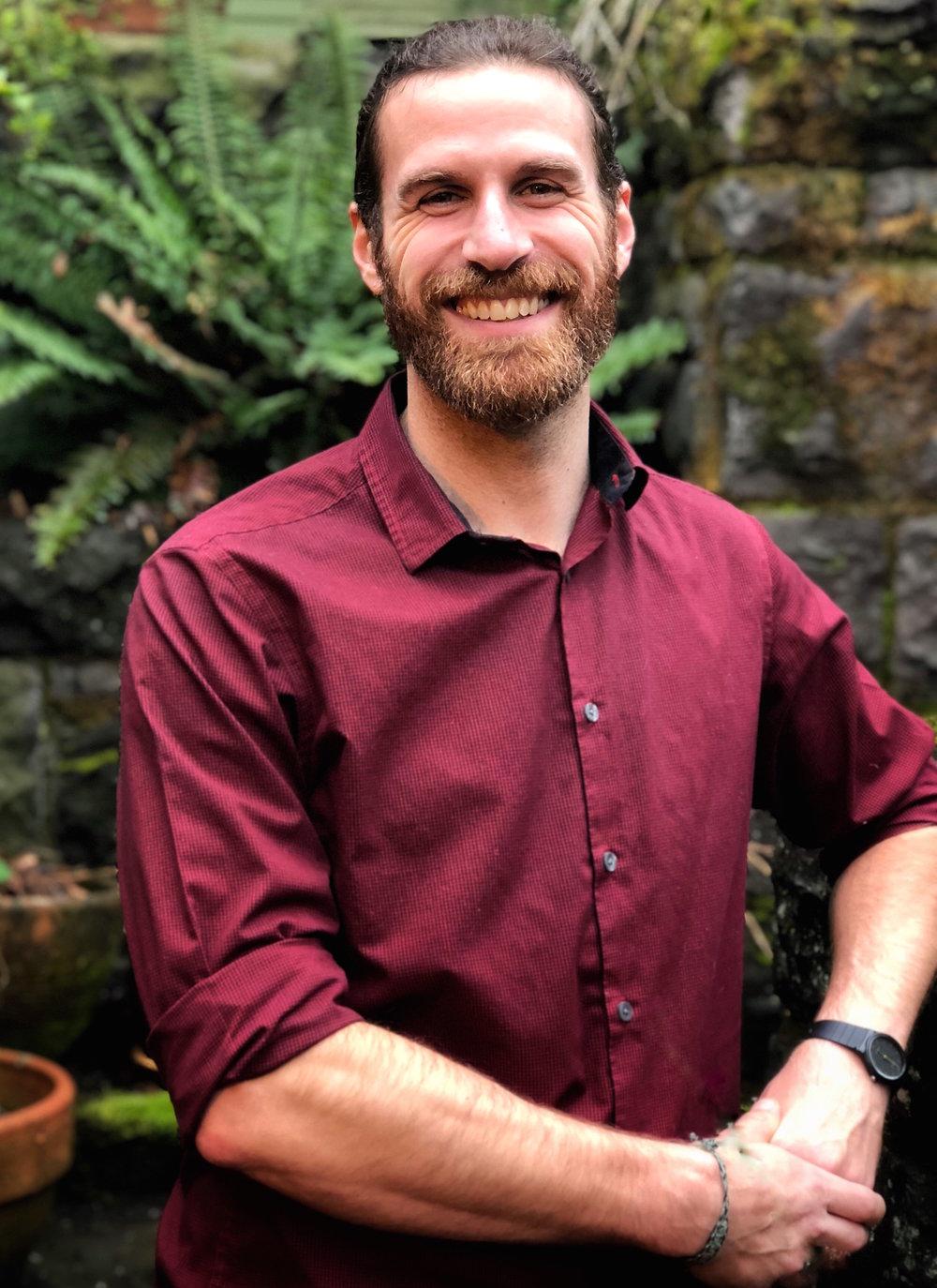 Simon Bio Photo.jpg