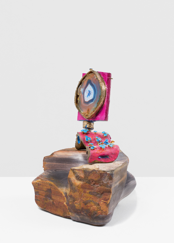 ANDRZEJ ZIELINSKI  Frequency Hopping?  2016 bronze, agate, enamel paint, primordial stone from the East Kimberly region 23.5 × 22 × 19 cm
