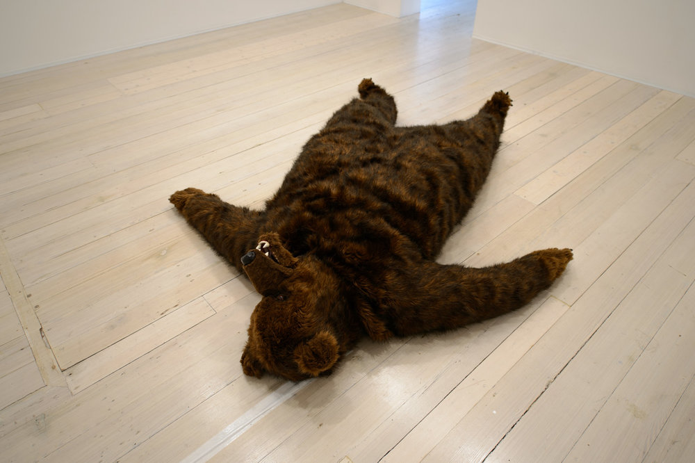 DAVID LAWREY & JAKI MIDDLETON  The bear that wasn't  2013 timber, shape memory alloy, aluminium,steel, synthetic fur, polyester, plastic,polymer clay, acrylic paint 40 x 200 x 200 cm (installation dimensions variable)
