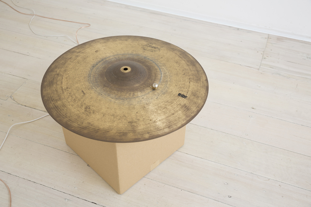 MICHAEL G. F. PRIOR Cymbal with Ball Resinator 2015 edition 1/3