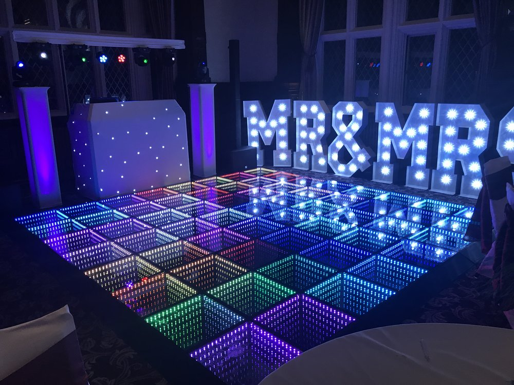Wedding DJ, Dancefloor and service provider in Cheshire