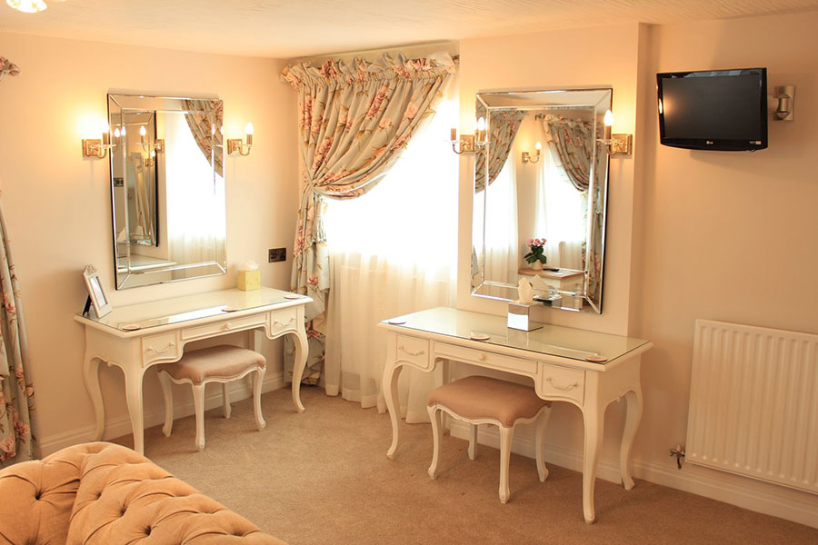 bridal-dressing-room-1.jpg