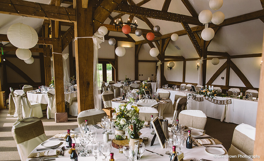 Oak-Barn-dressed-rustic-wedding-theme.jpg
