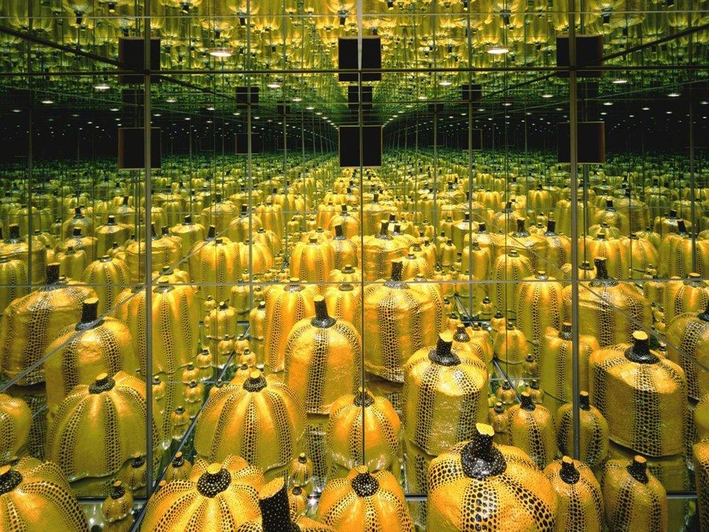 "Yayoi Kusama, ""Mirror Room: Pumpkin"" at Hara Museum (1991)"