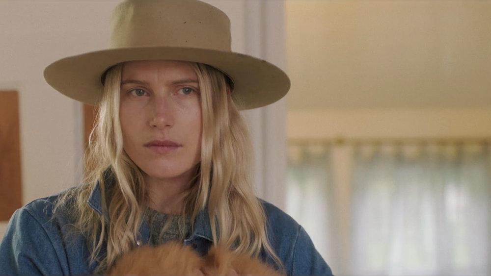 Dree Hemingway (Lisa Leonard)