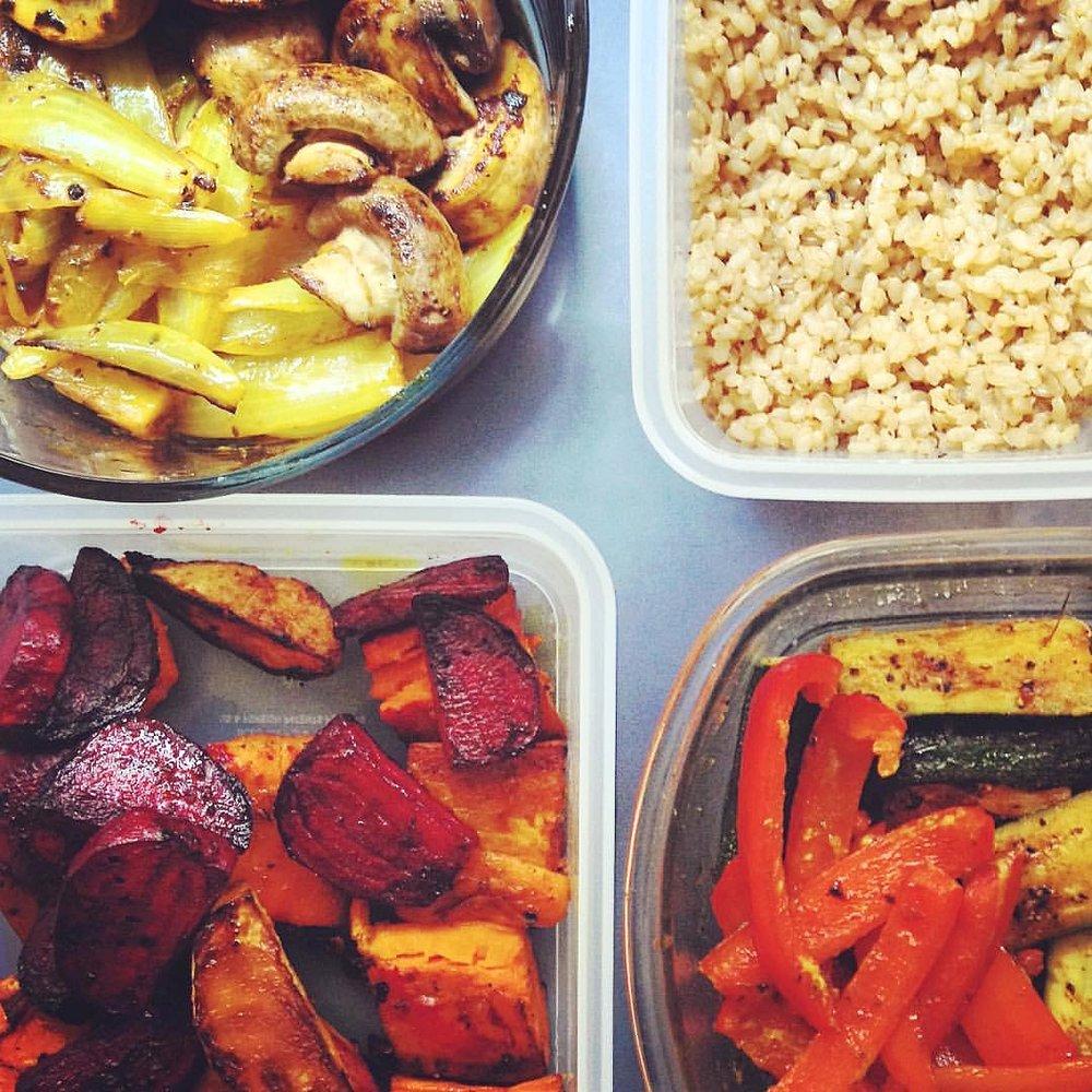 WEEK PREP MEAL: COOKED VEGETABLES + WHOLE GRAIN.