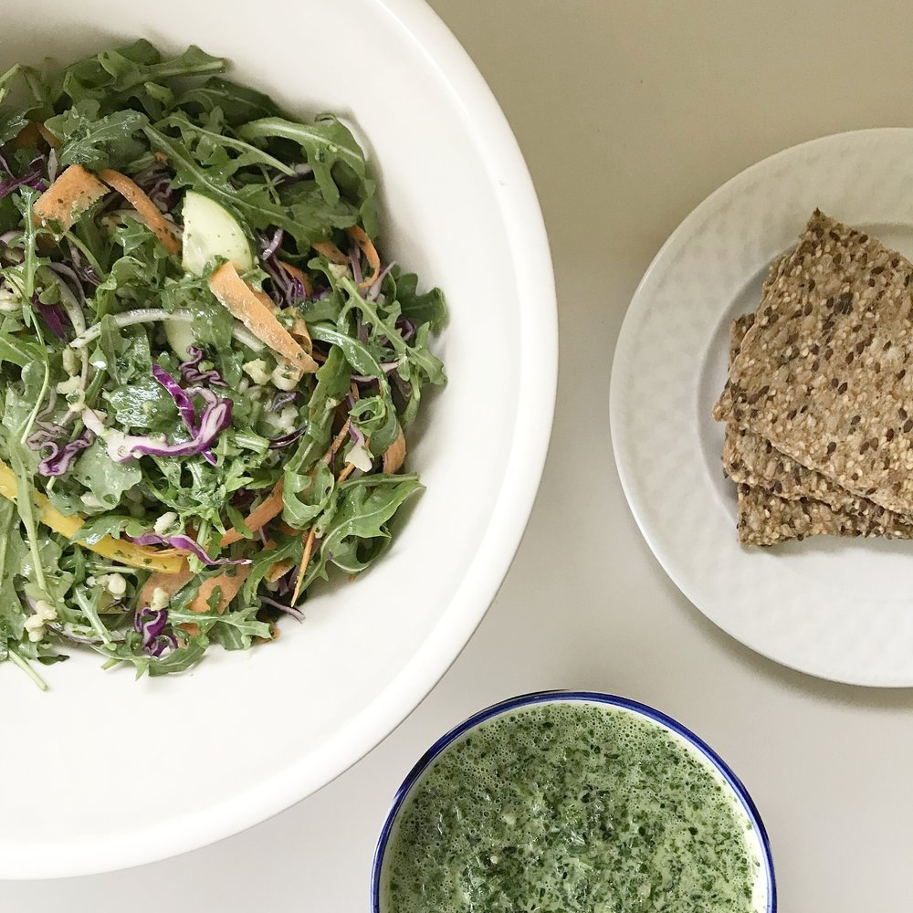 GREEN SALAD WITH HOME-MADE SEED CRACKERS AND KALE DIP.
