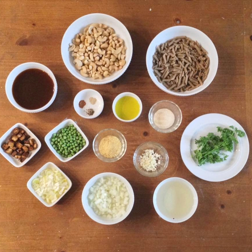 PREP MEAL: RICE BROWN PASTA WITH CREAMY SAUCE.