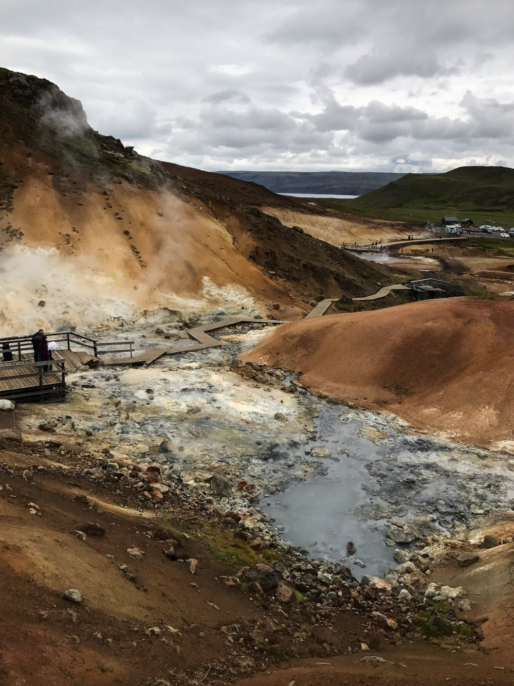 krysuvik-krýsuvík-reykjavik-nagrenni-iceland-nature-hotspring-warmsoil-soil