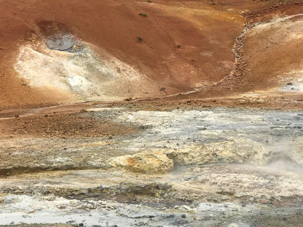 krýsuvík-krysuvik-reykjanes-reykjavik-nagrenni-iceland-hotspring-nature-soil