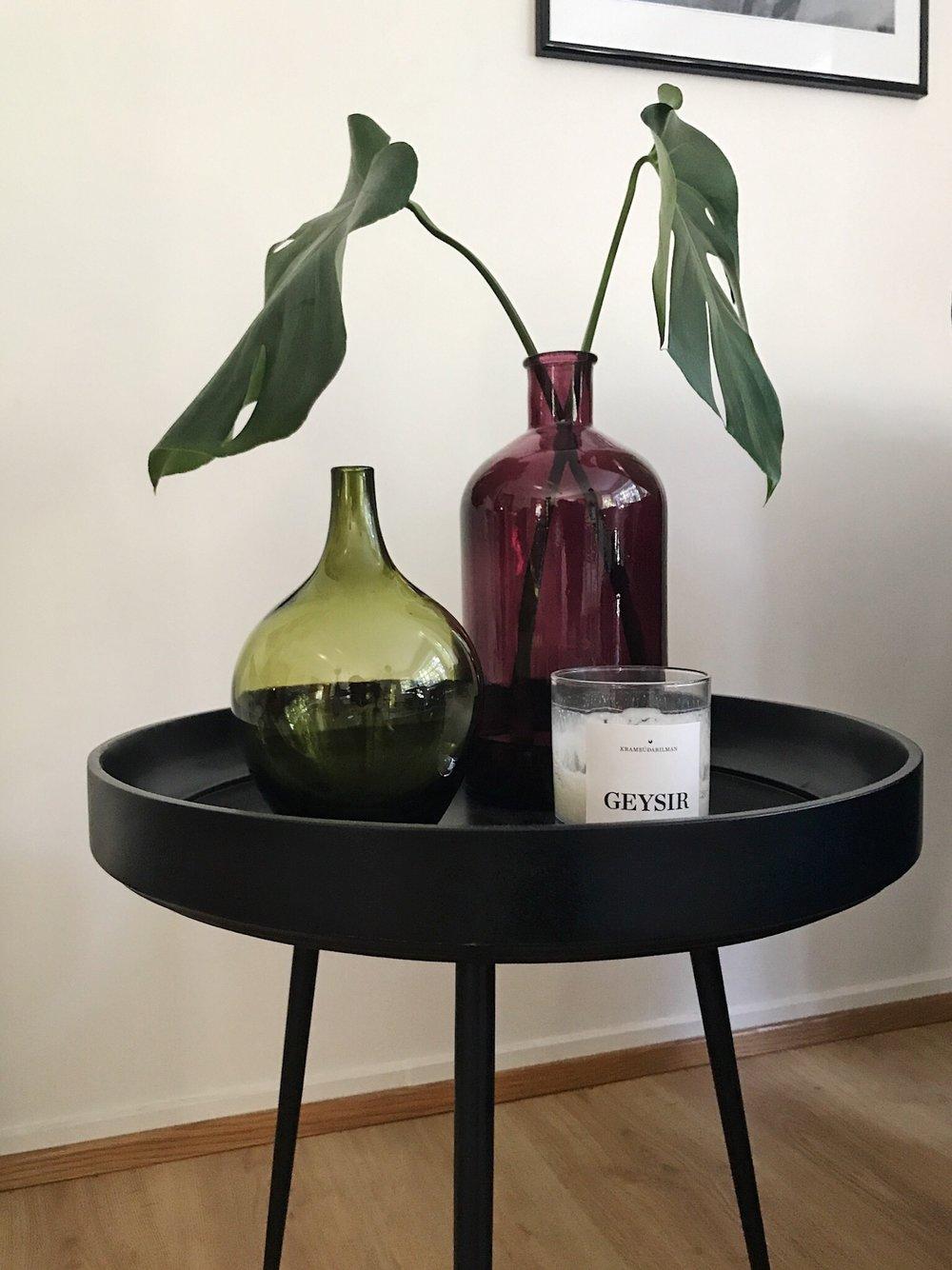 reykjavik-home-bjorg-mater-table-geysir-candle-vase-monstera