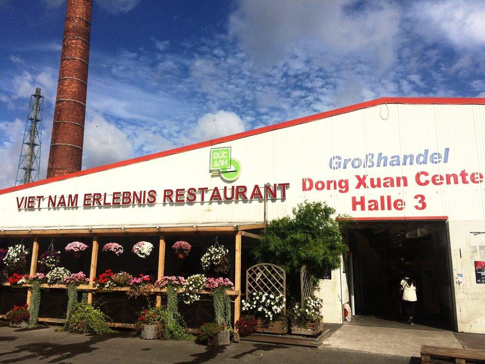 Dong-Xuan-Center