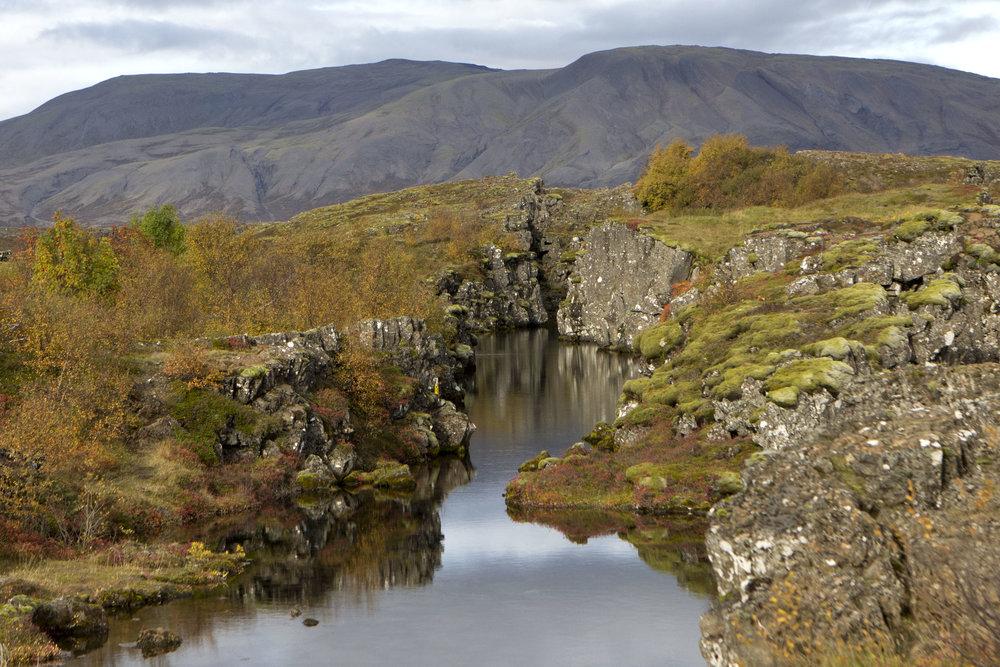 þingvellir-nationalpark-iceland-reykjavik-autumn-almannagja-america-europe