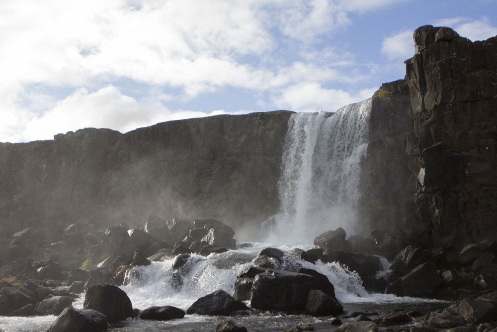 waterfall-þingvellir-iceland-nationalpark-reykjavik-autumn