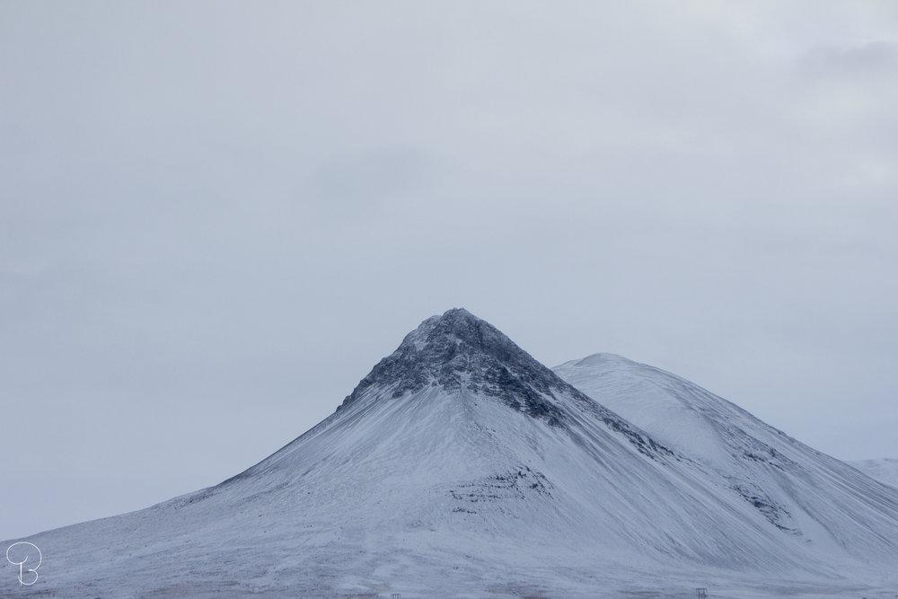 mountain-iceland-reykjavik-bjorggunnarsdottir-whiteland-ice