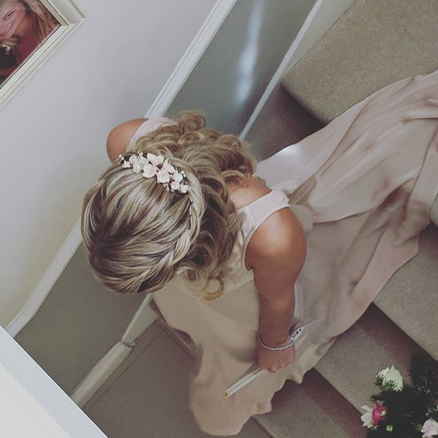 That exciting moment when it's time to leave for the church ✨✨✨ . . . Lovely wedding on Saturday working with some of the best local suppliers: hairpiece by @edenbstudio , make up by @harrietrainbow , flowers by @johnnyslittlesisterflorist and bridesmaids dresses by @ghostlondonbridal . . . #weddinginspo #pinkcolourpalette #blush #bridesmaidhairstyles #kenthairstylist #sevenoakswedding #sevenoakshairup #sevenoaksbride #imengaged #2018bride #2019bride #kentbrides #surreybridalhair #surreyweddinghair #hairaccessories #tunbridgewellsbride #tunbridgewellswedding #kentweddingsupplier #bohohair #bohobride #coolhair #halfupbridalhair #halfuphairstyle #internationalweddinghair #internationalhairup #bridetobe #instahair #blondebridesmaids