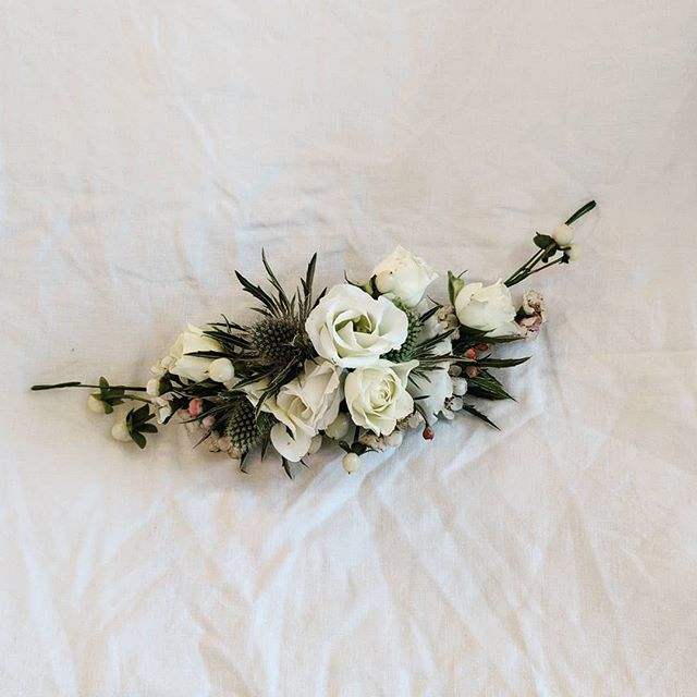SWIPE ⏩  to see how this bespoke floral headpiece made by @janeatgrahamgreener sat in the hair for one of my recent brides who got married at the beautiful @eastquayweddings . Make up by the lovely @lydiaraemakeup ♥️ . . . . #floralheadpiece #flowercrown #weddingflowers #greenandwhite #flowersinmyhair #flowersforhair #lowupdo #softhair #relaxedweddinghair #nicehairdo #coolgirlhair #weddinghairkent #weddinghairinspo #weddinghairsurrey #weddinghairsussex #whitstablewedding #hairupspecialist #hairofinstagram #hairideas #2019bride #november2018 #december2018 #imgettingmarried #weddinginspo #hairupdos #bohowedding #bohohair #bohemianbride #festivalwedding #eastquayweddings
