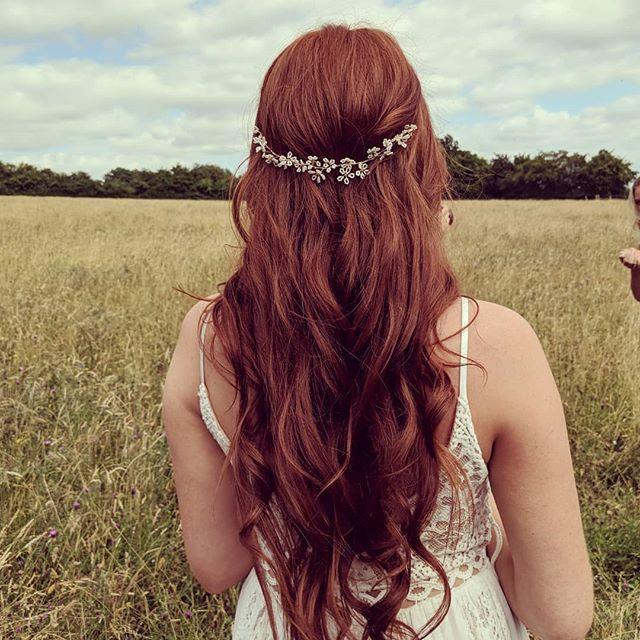 😍🌾 TODAY 🌾😍 . .  Hair accessories and veils @edenbstudio Photography @nicoladixonphotographyco  Make up @astonsmakeupandbeauty  Dress @blackburnbridal . . #redheadsrule #redhair #redhairdontcare #redheadbride #longhair #longwavyhair #beachywaves #waves #wavesfordays #hairaccessories #modernhair #modernbride #coolbride #naturalbride #naturalhair #hairvine #goldhairvine #kenthairstylist #kentweddinghair #herohairstylist #surreybridalhair #surreyweddinghair #sussexbridalhair #brightonweddinghair #weddinghairkent #weddinghair #weddinghairinspo #hairallday #bridesofinstagram #bridebookhair