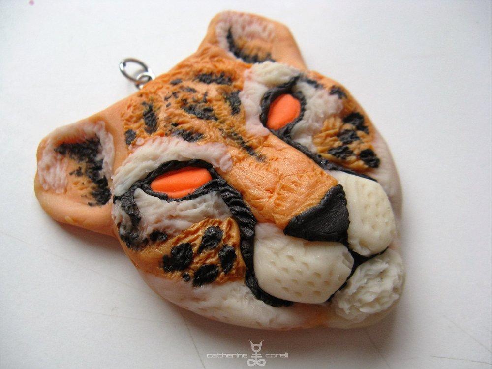 Cheetah Pendant (2016) by Catherine Corelli