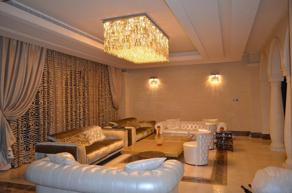 Wranovsky-Dubai-Lobby-1.JPG